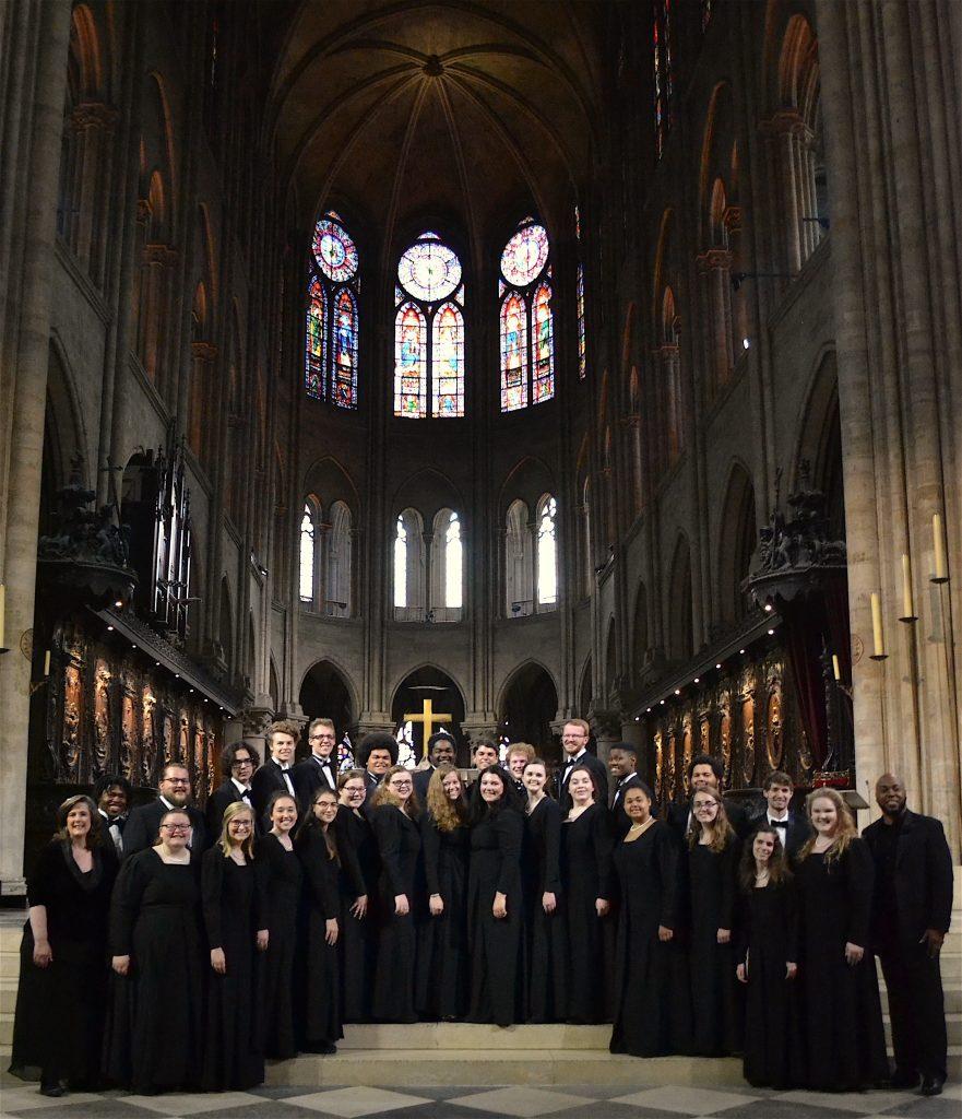concert_choir_notre_dame_group