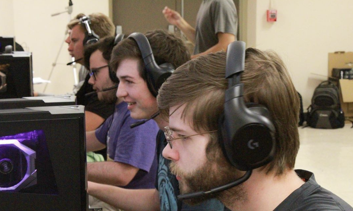 Montevallo esports student-athletes competing against another team.